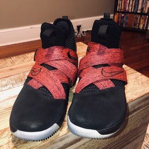 Nike Lebron soldier XII sneakers